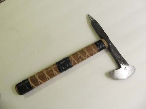 Forge a Railroad Spike Hatchet/throwing axe