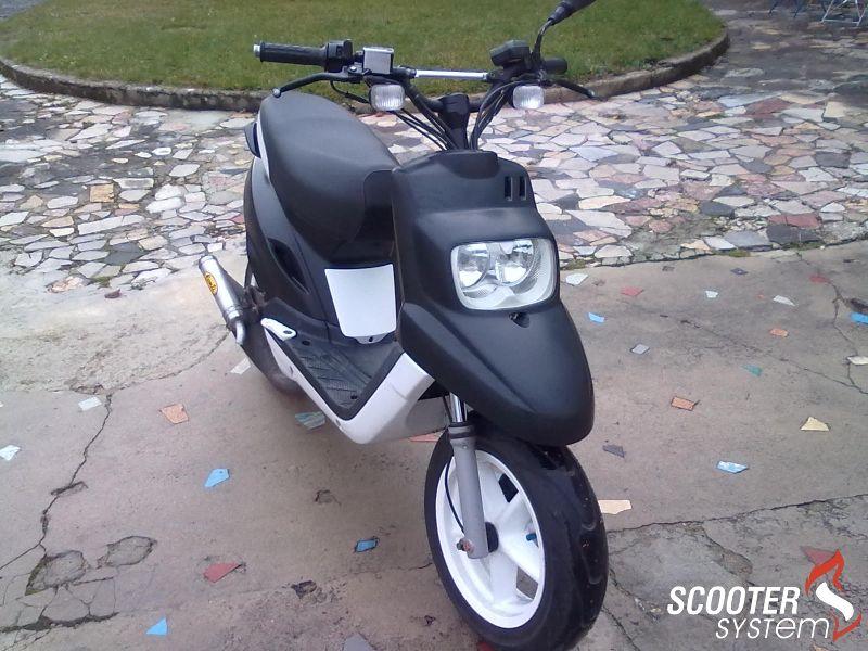 mbk booster spirit 12 naked black and white scooter pinterest voitures et motos moto et. Black Bedroom Furniture Sets. Home Design Ideas