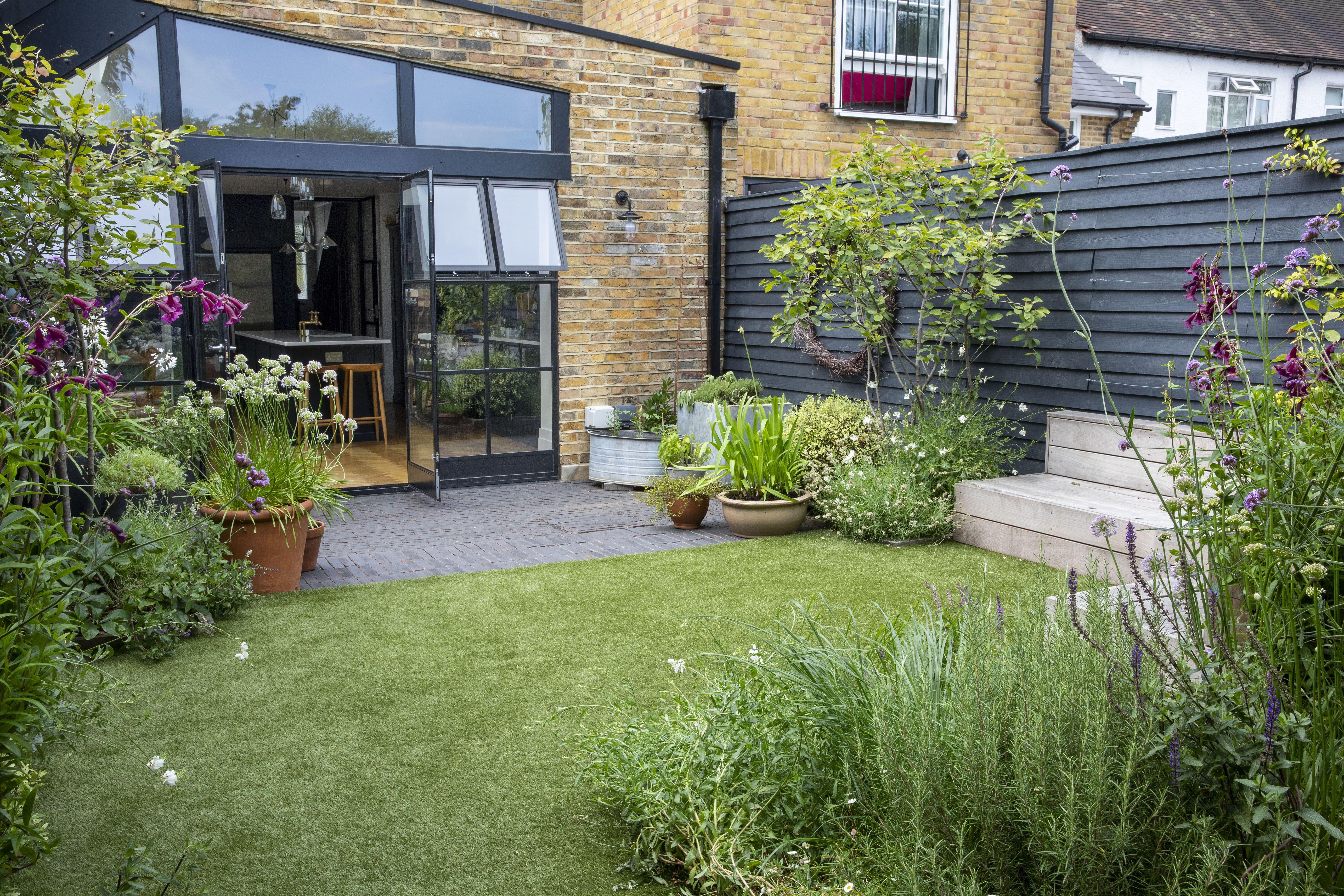 Teddington Terrace Garden Club London In 2020 Terrace Garden London Garden Backyard