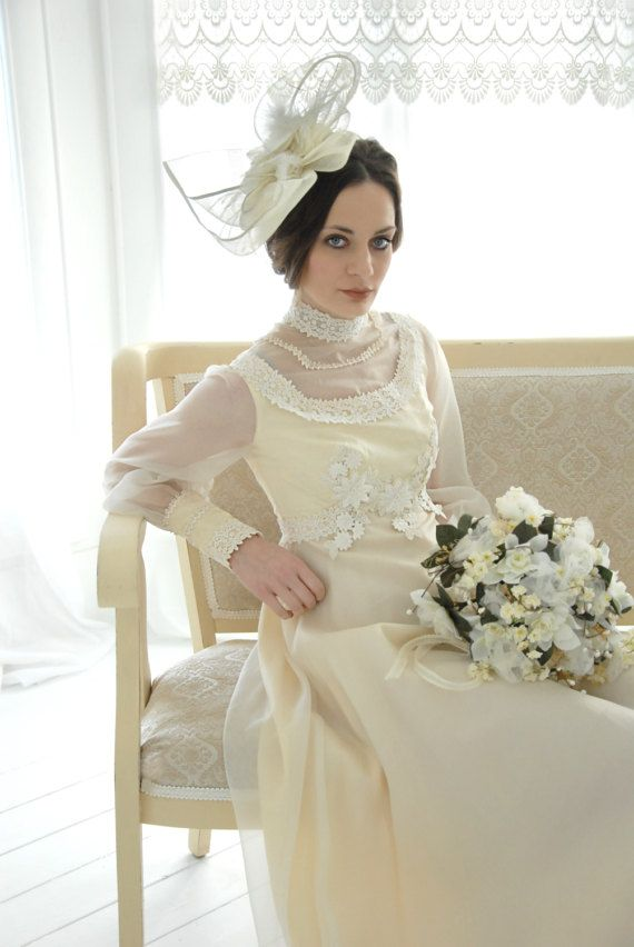 Vintage Victorian-style wedding dress, lace long sleeve, empire ...