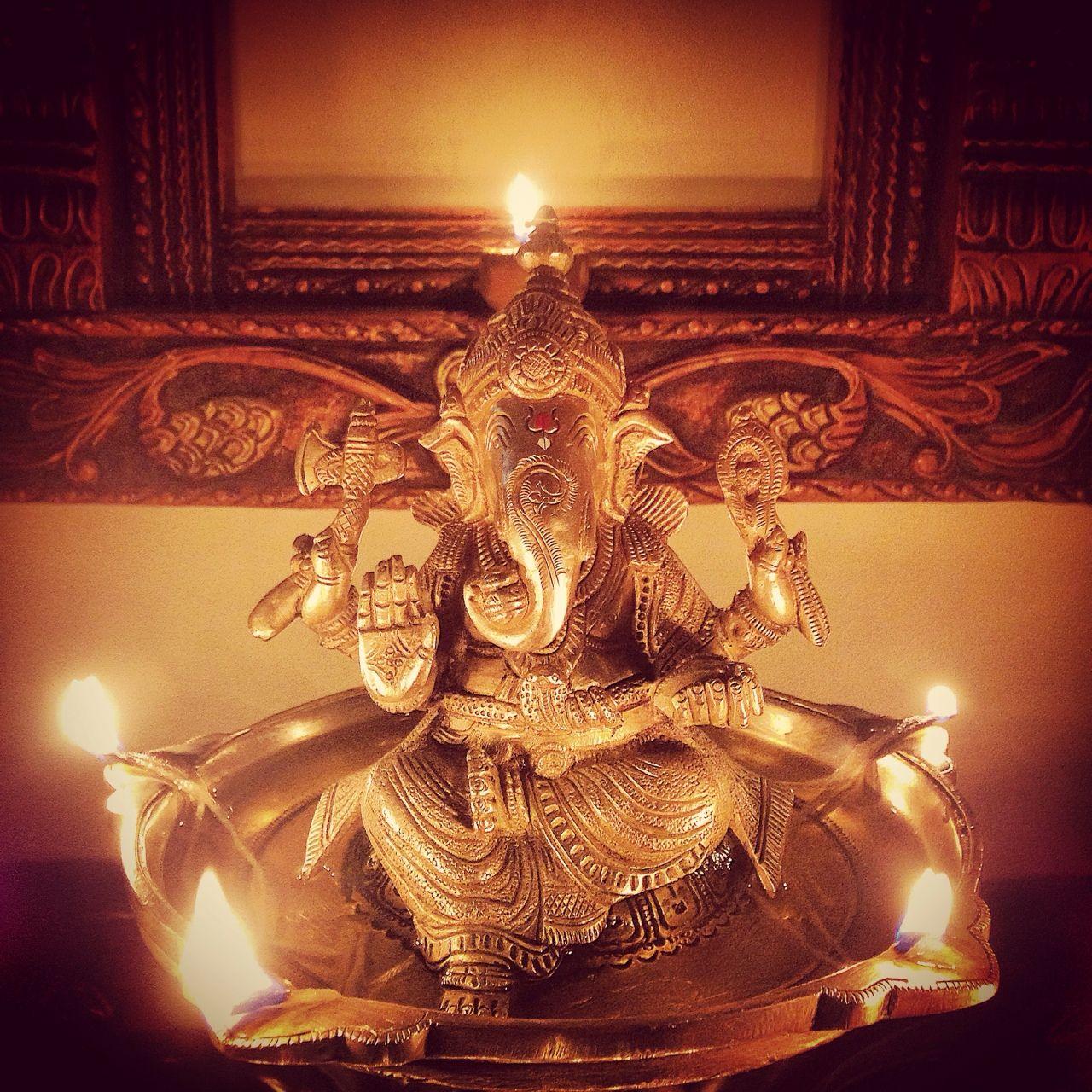 Dīpāvali Diwali Dewali 2016 Dīpāvali es una celebración que simboliza el triunfo de la luz sobre la obscuridad, del bien sobre el mal, del conocimiento sobre la ignorancia, de la esperanza sobre la desesperanza. La luz de las velas que se encienden...