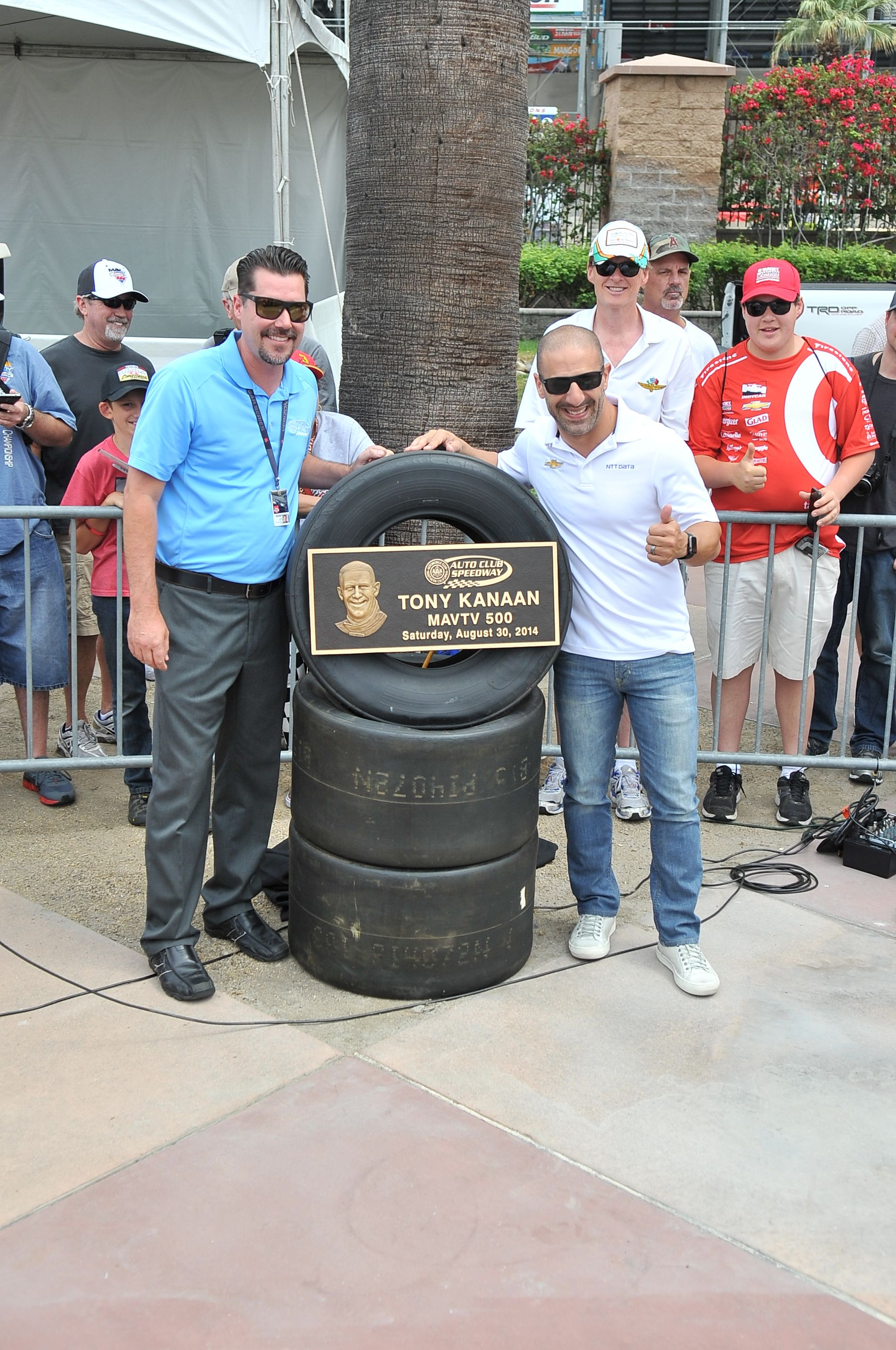 INDYCAR driver Tony Kanaan poses with Auto Club Speedway president Dave Allen for the MAVTV 2014 Walk of Fame Ceremony. #TonyKanaan #AutoClubSpeedway #WalkofFame