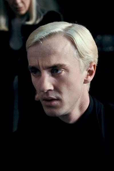 Draco Malfoy Harry Potter And The Deathly Hallows Part 1 Fotos De Harry Potter Personajes De Harry Potter Chicos Atractivos