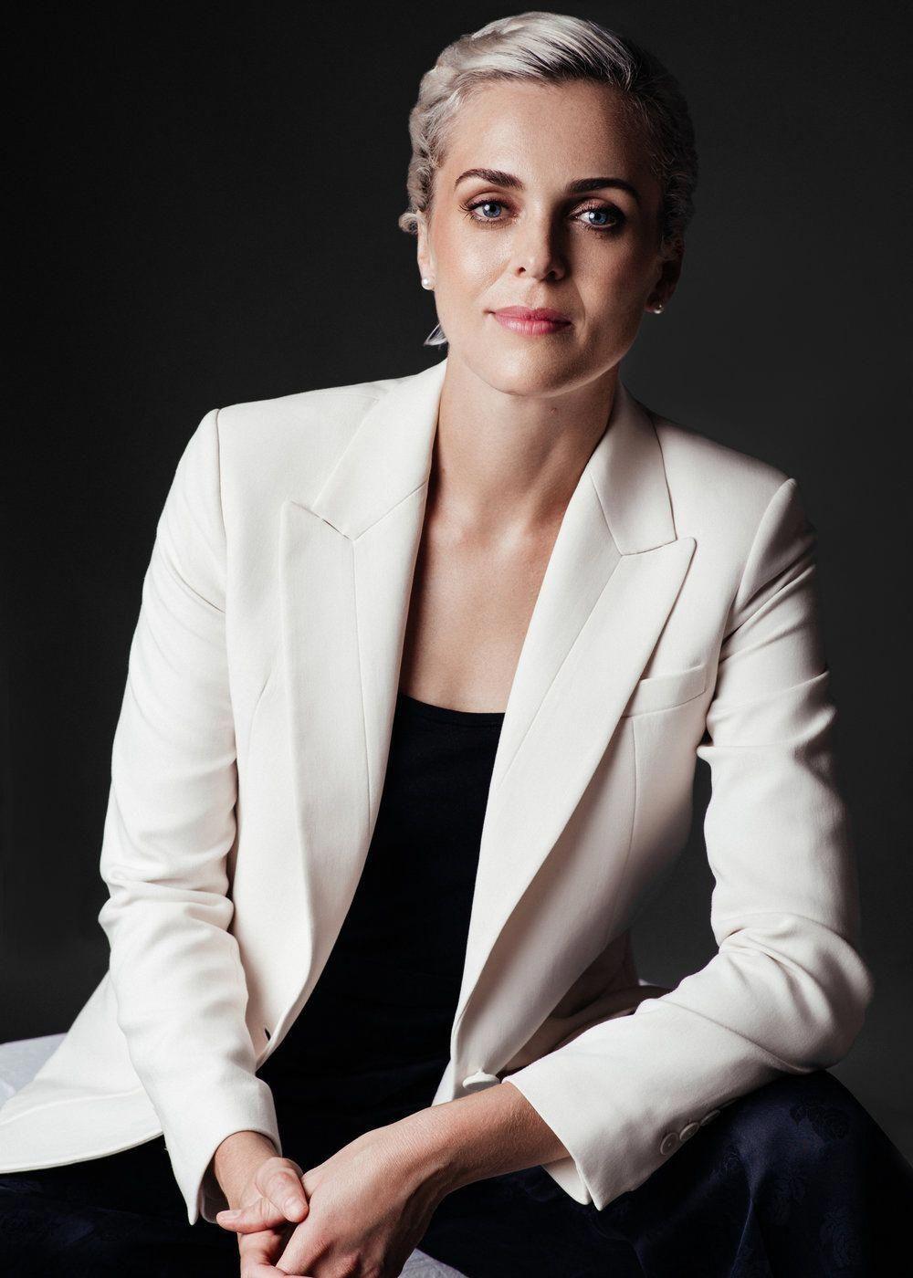 Corporate headshots for women by ceo portrait female