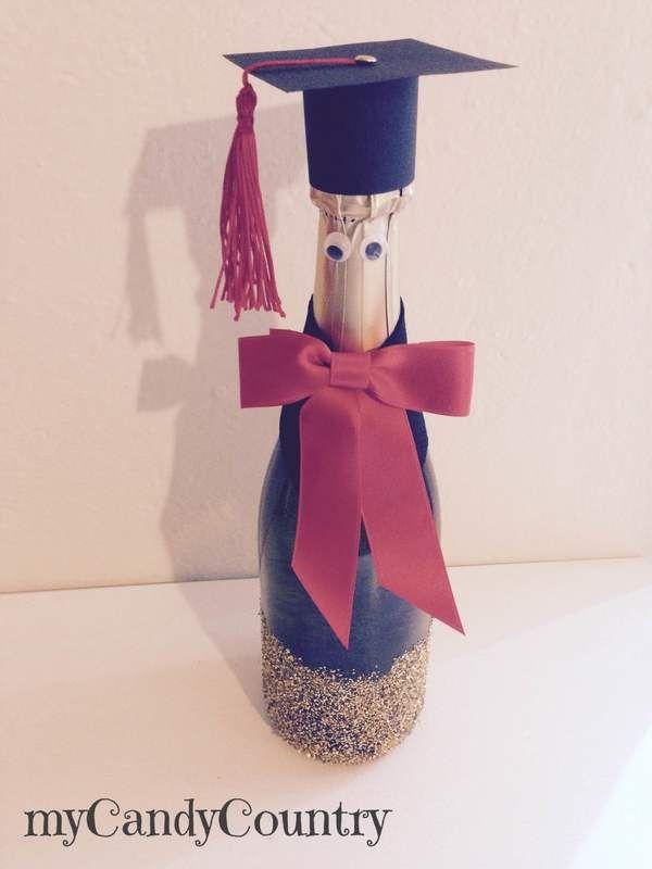 Creare una bottiglia laureata idea creativa fai da te per for Idee per addobbare festa di laurea