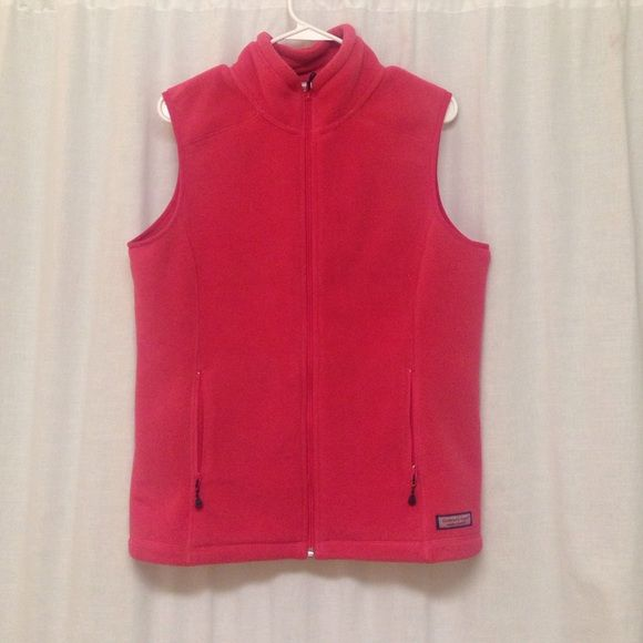 Vineyard Vines Vest Coral fleece Vineyard vines vest! About a year old, barely worn!! Very cozy and warm and cute to add to any outfit! Vineyard Vines Jackets & Coats Vests