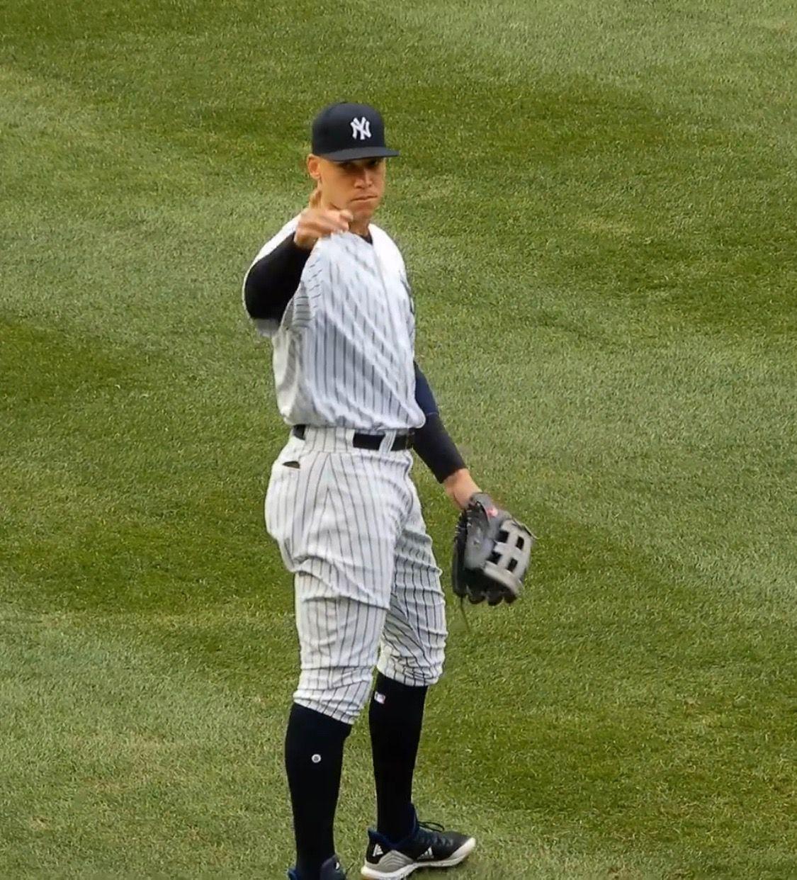 Aaron Responding To The Bleacher Creatures New York Yankees Ny Yankees Yankees Fan