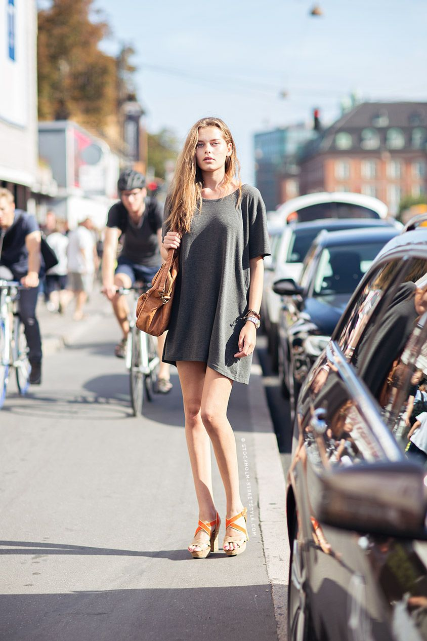 White t shirt dress outfit - Grey T Shirt Dress And Orange Wedges Via Stockholm Streetstyle