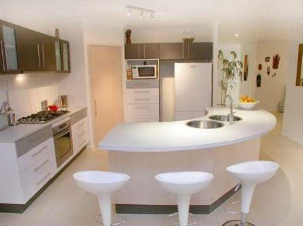 Cuisine avec îlot central - plan de cuisine moderne avec ilot central