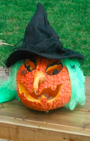 Cackling witch pumpkin carving i used a quot bumpy