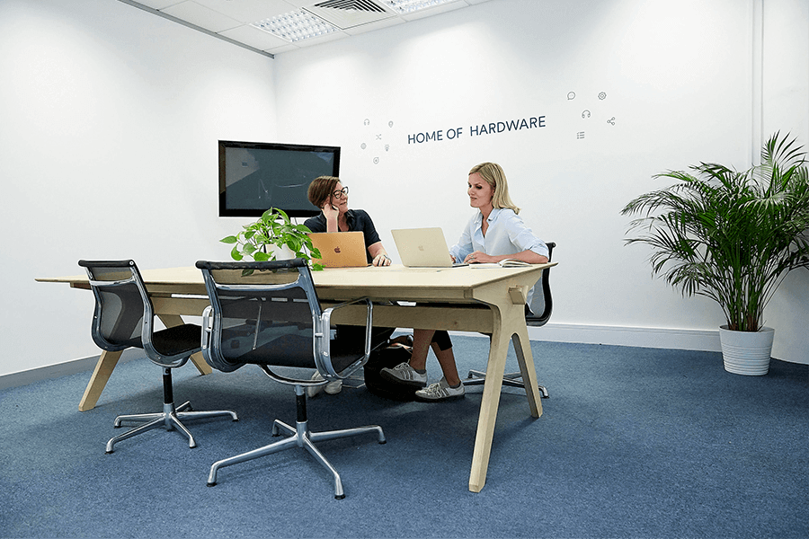 Private Offices In Ealing Office Space For Rent In Ealing Slough Crl Shared Office Space Private Office Private Office Space