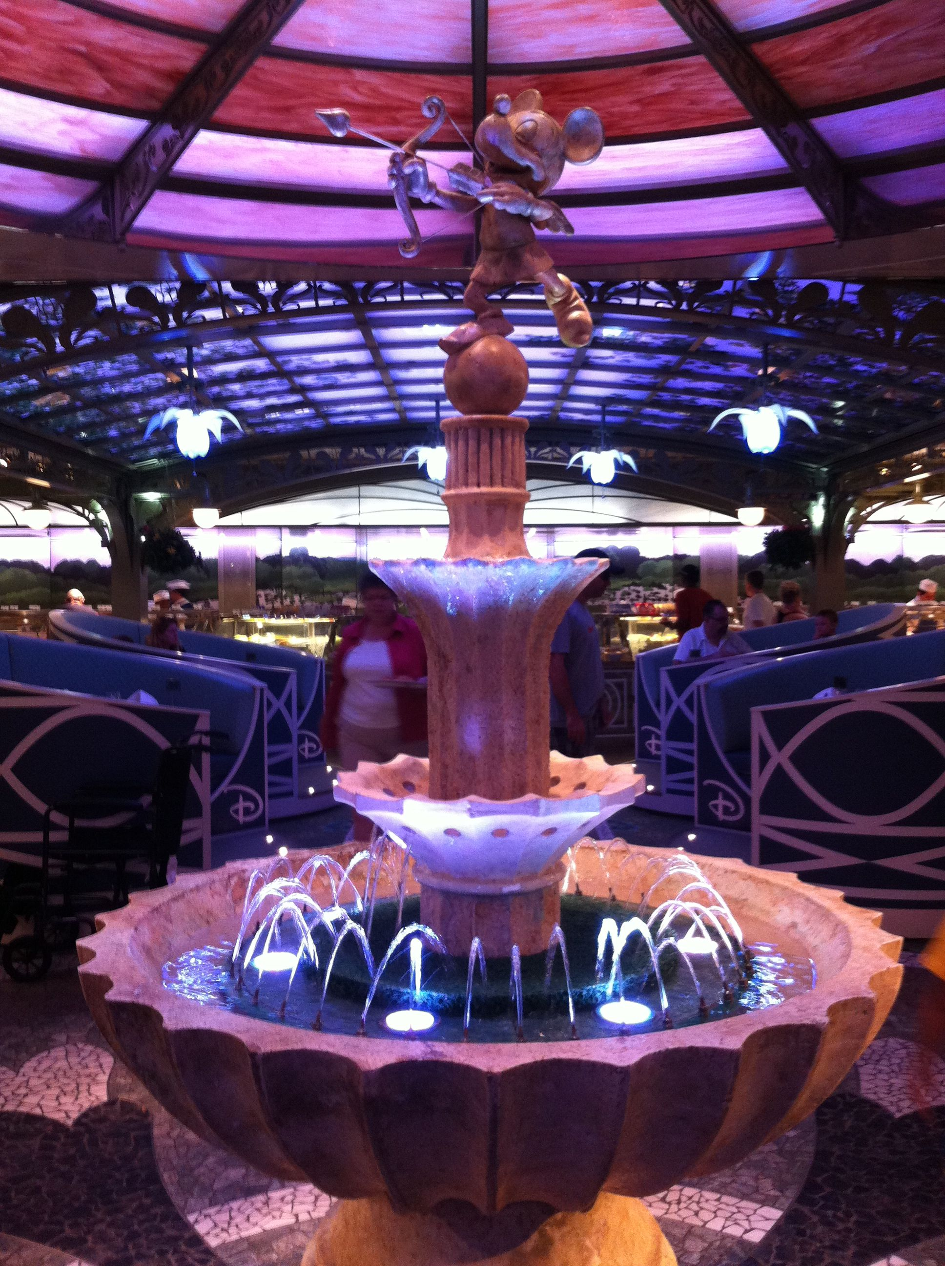 Enchanted Garden / Disney Dream restaurant!!