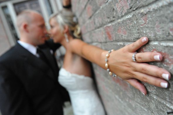 Ring Shot wedding Wedding Rings Wedding photography Pinterest