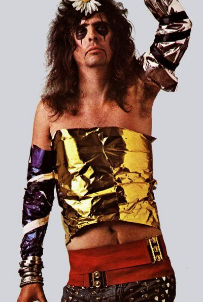no one rocks a gold foil tube top like alice cooper