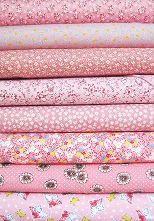 Fat Quarter Fabric Bundle PINK VINTAGE ROSE SPOT STRIPE Polycotton Material