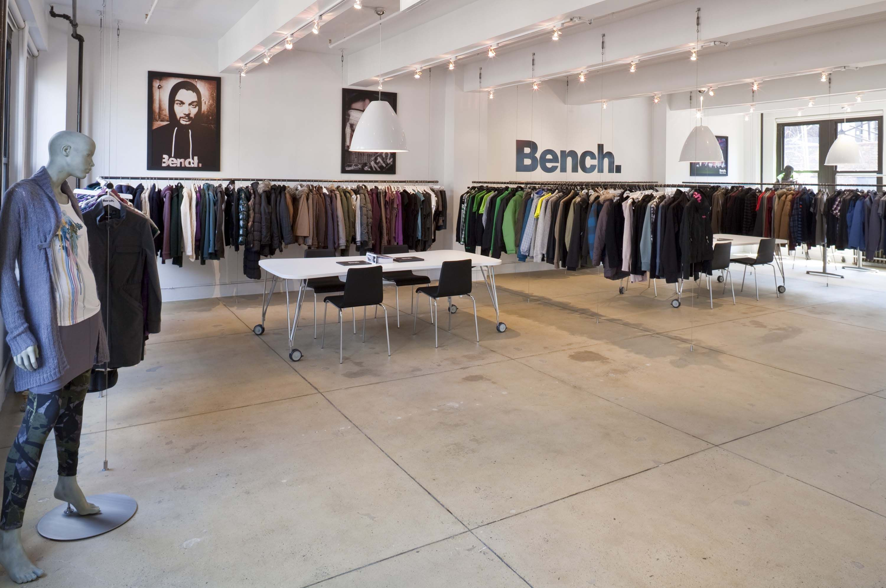 Bench The Activewear Fashion Label Based In The Uk Contracted Bryan Johnson Design To Conceptualize And Execute The Desi Showroom Design Retail Design Design