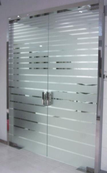 Resultado de imagen para vinilo esmerilado para puertas de - Colocar vinilo en cristal ...
