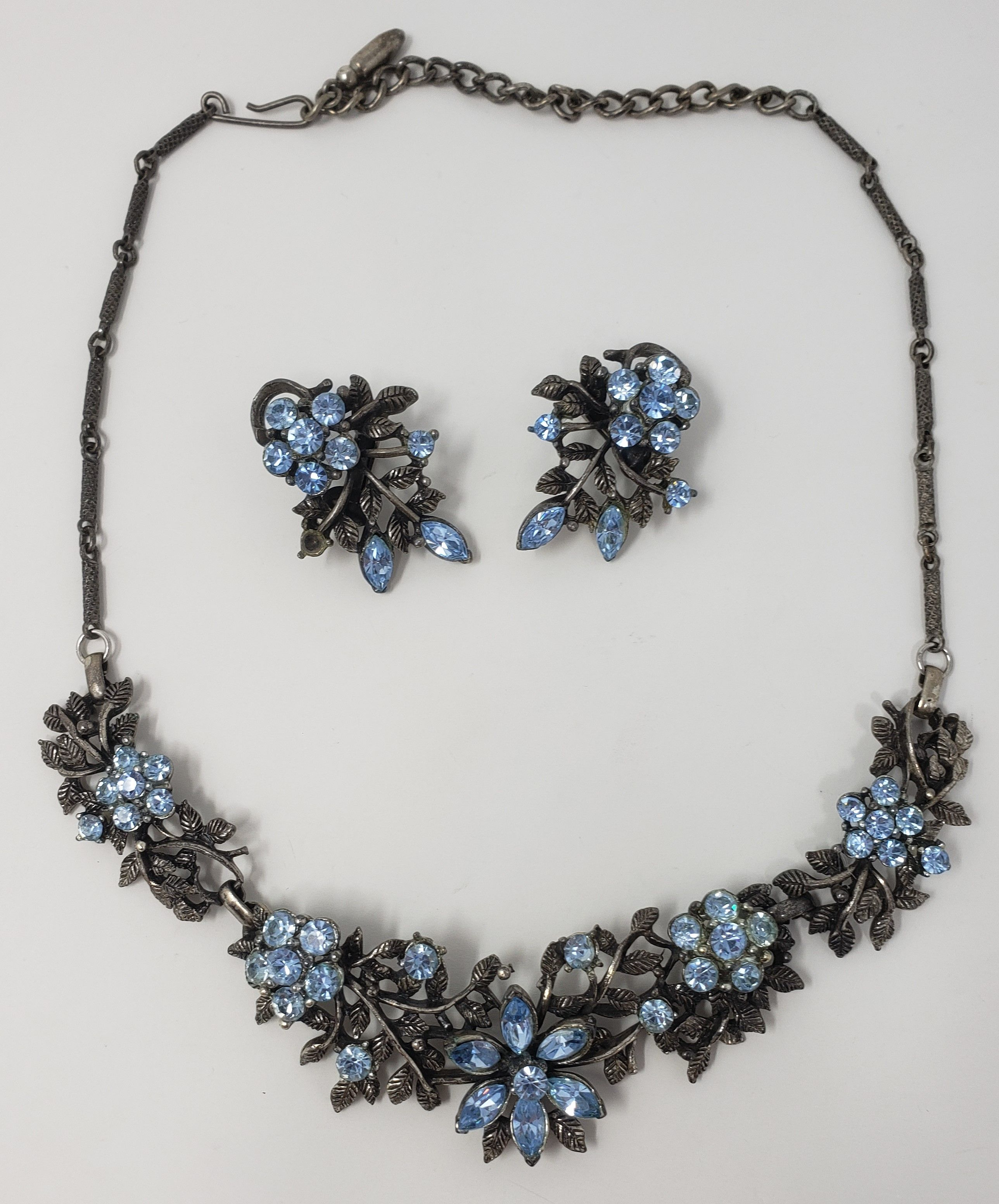 Vintage Aquaremarin necklace and earring set