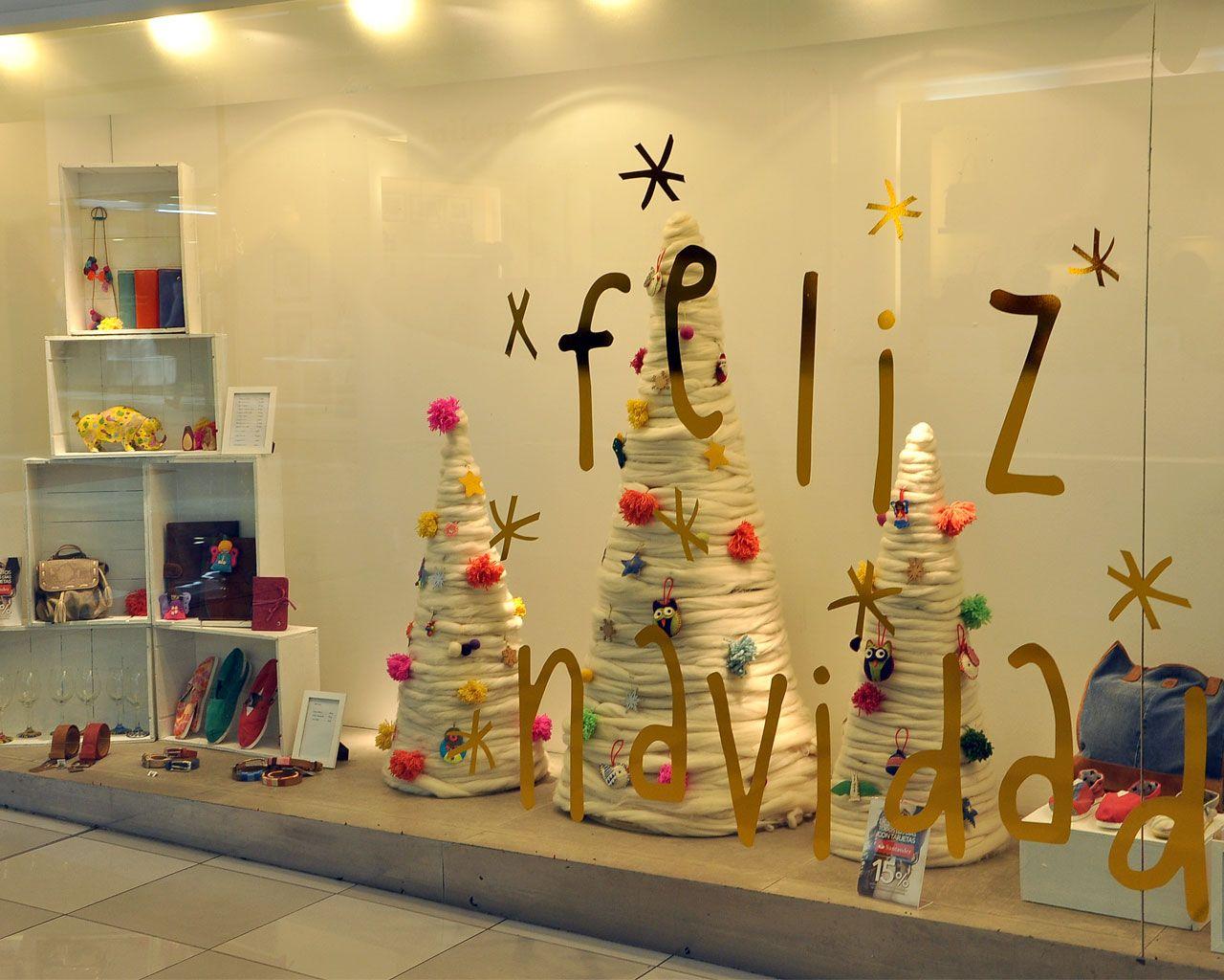 La navidad en las vidrieras de manos escaparates - Ideas originales navidad ...