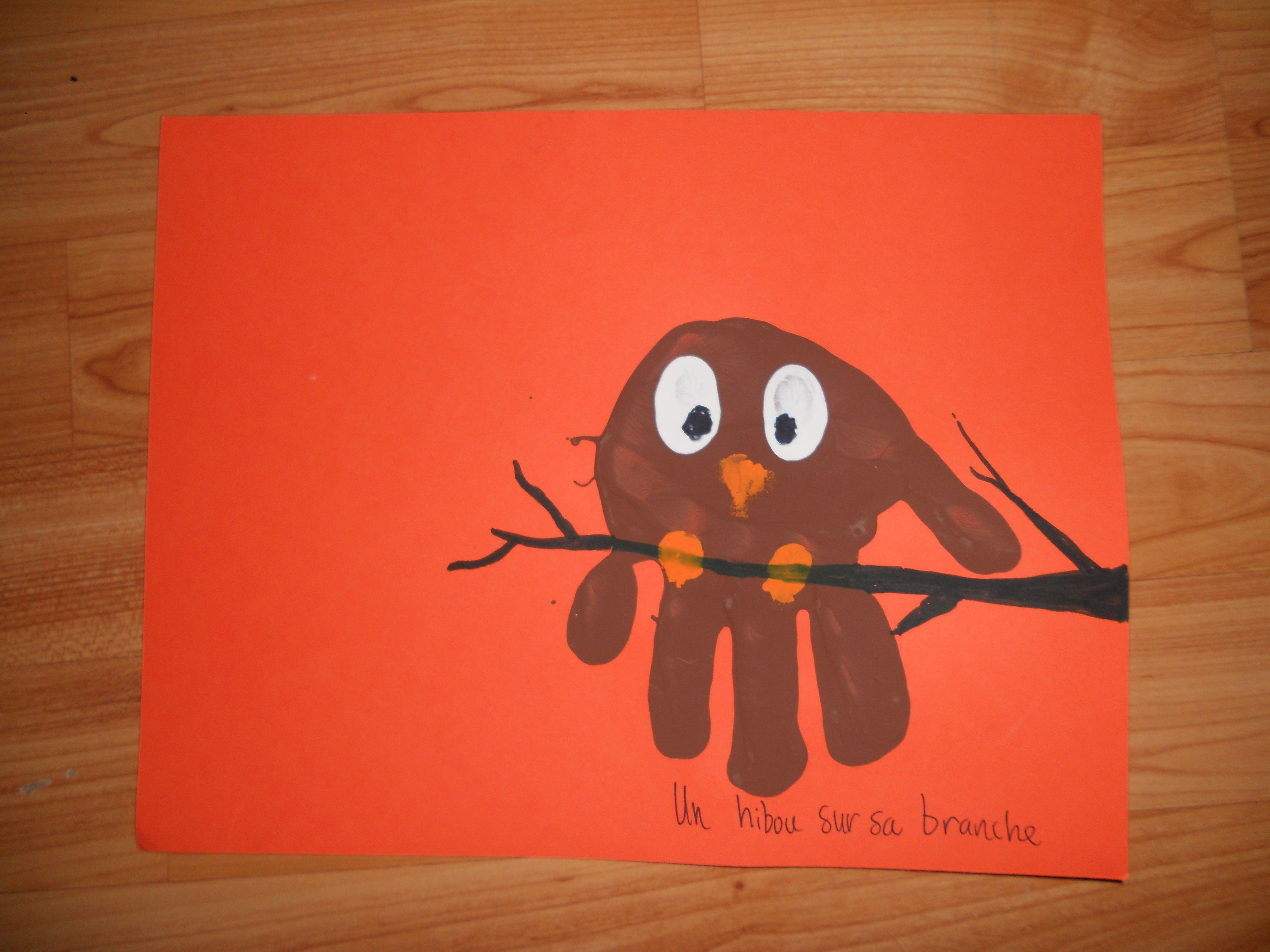 Dessin Avec La Main hibou avec main et pouce pour les yeux   peinture main