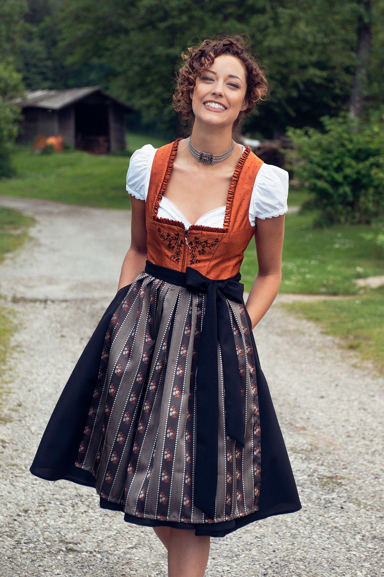 Sondrio | Wardrobe: Dirndl & Lederhosen (tracht) | Dirndl ...