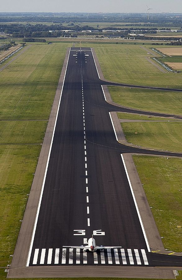 airport runway airplane aircraft airplanes air landing aviation polderbaan plane runways strip airports planes schiphol amsterdam taxiway above take private