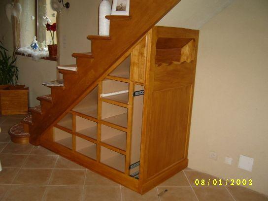 Meuble de rangement sous escalier en frene photo 1 id es meubles sous escalier am nagement - Meuble tv sous escalier ...