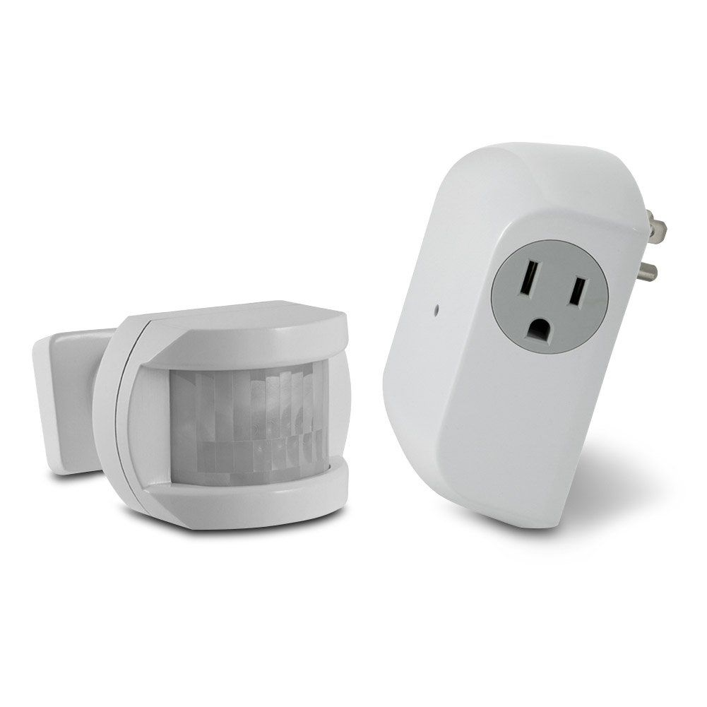 Utilitech White Motion Sensor Dusk To Dawn Light Control