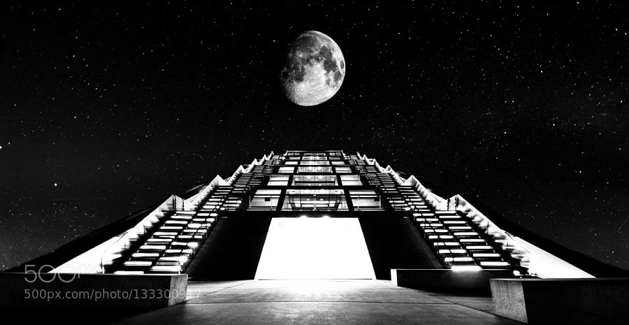 #altonaarchitecturearchitekturdocklanddocklandsfull moongebäudehamburglangzeitbelichtunglichtlightlong exposuremondmoonnachtnightraumschiffschiffskyspacespaceshipstairsstarsstarsscapesternesternenhimmeltreppetreppenurbanvollmond #tetze2 (December 23 2015 at 06:33PM)