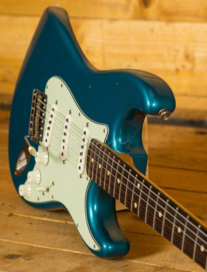 The Fender Stratocaster is probably the most iconic guitar ...