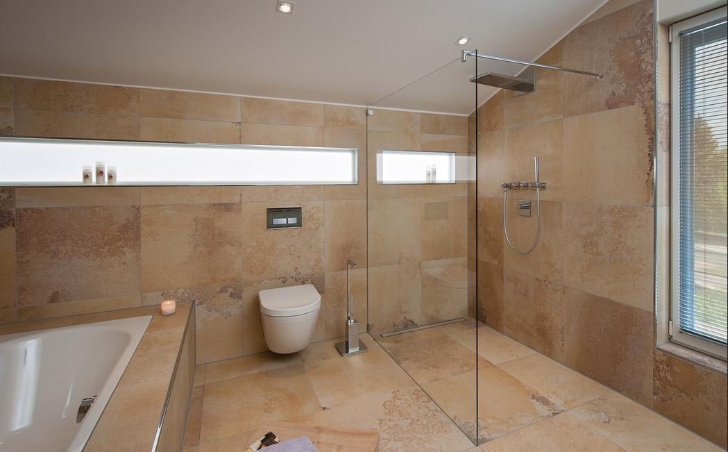 Badezimmer Sanieren ~ Badezimmer ohne fliesen badezimmer mit geräumigen zimmer