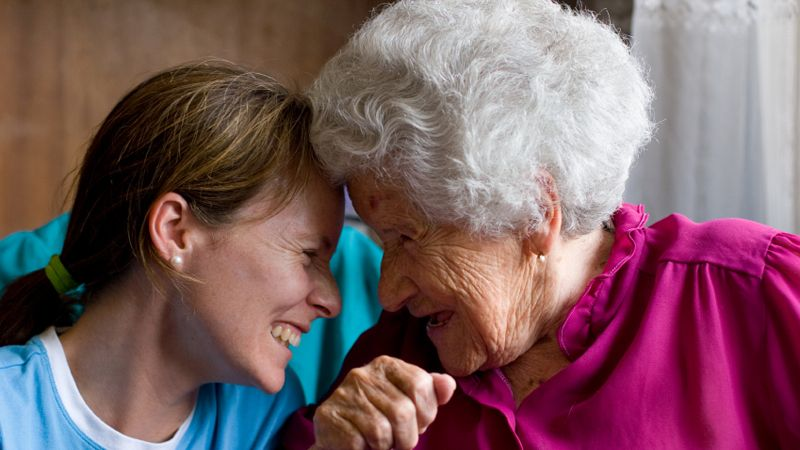 7 Tips on Caring for an Elderly Parent Aging in place