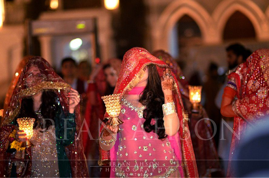 Mehndi Bride Entrance S : Irfan ahson photography pakistani bridal couture