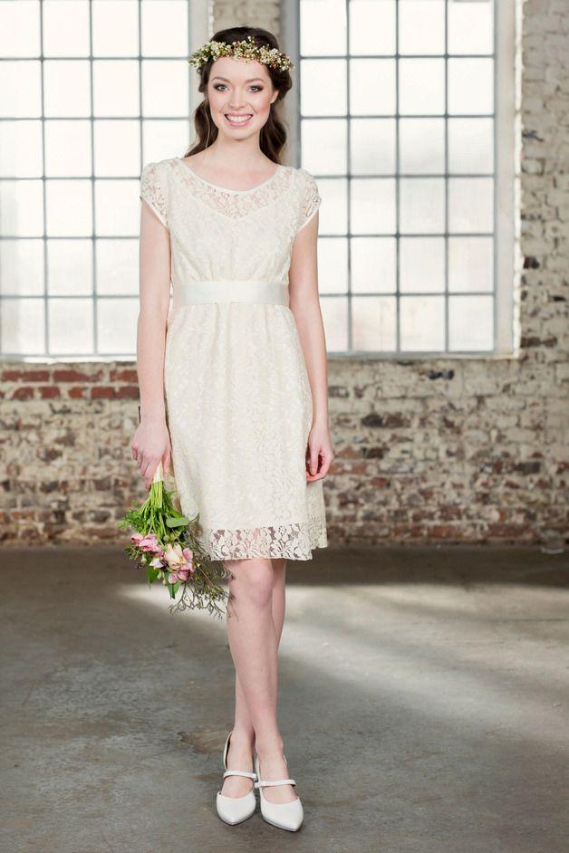Kurzes Brautkleid Amandine   Wedding dress, Wedding and Weddings
