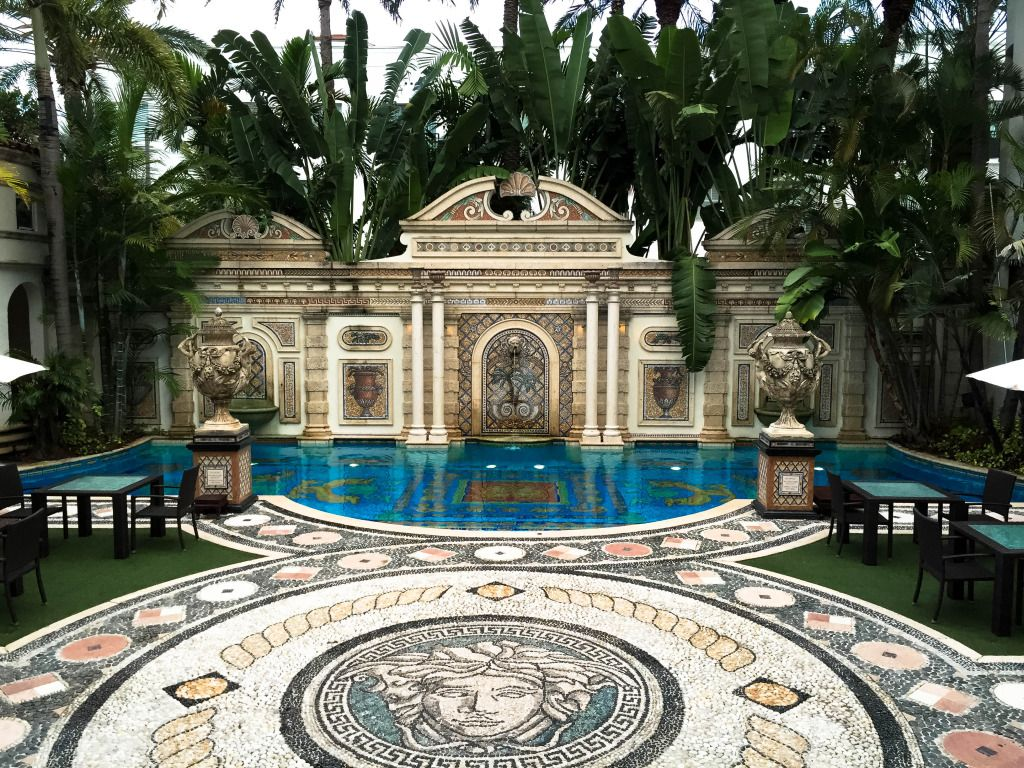 Dinner At The Versace Mansion In Miami Florida At The Villa