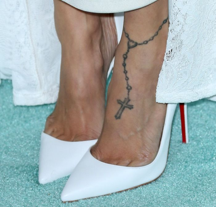 Jourdan Dunn or Nicole Richie: Who Looks Best in White Christian Louboutin Pumps?
