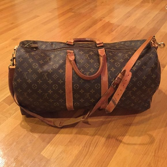 643b4d1af Louis Vuitton Keepall Bandouliere 55 (no trades) Guaranteed authentic.  Pantina on the middle