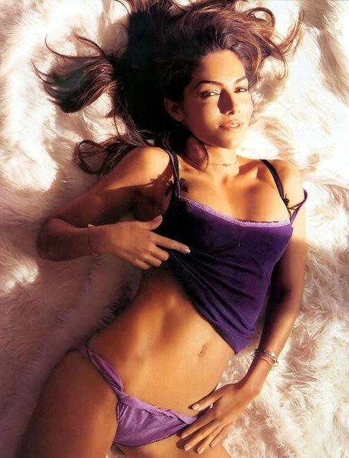Adult nude massage