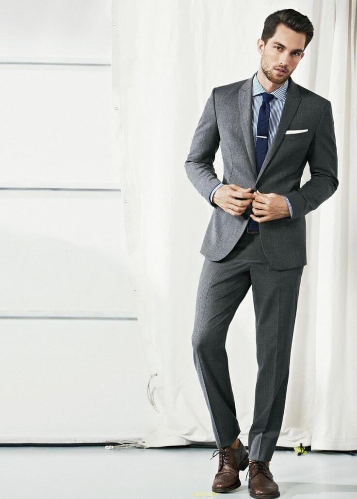 グレースーツネイビータイと合わせて大人の着こなし Mens Fashion Blog, Suit Fashion 92e50d2d3a
