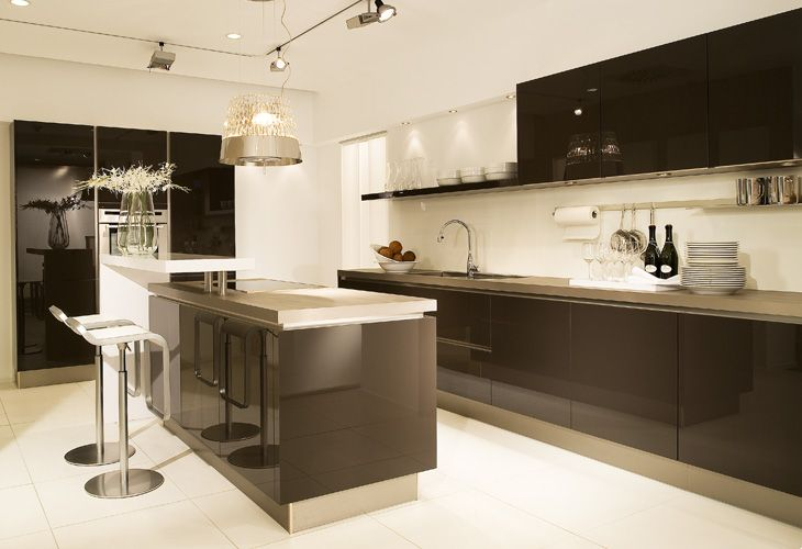 Luxury Braune K che Brown kitchen