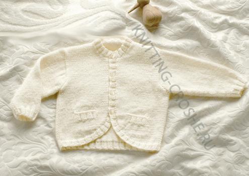 Осваиваем вязание спицами для новорожденного.