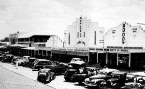 Broadway Picture Theatre On Callide Street Biloela In 1949 Thefashionarchives Org Rockhampton Street Street View