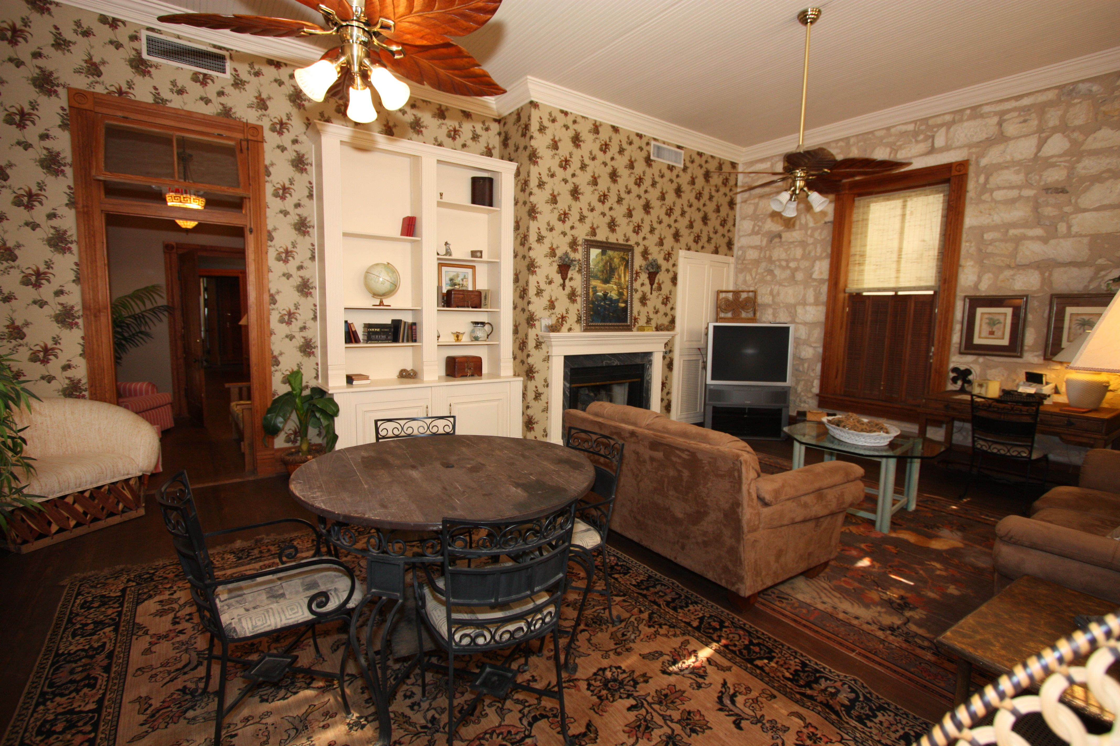 Fredericksburg, Texas Bed and Breakfast, Lodging in