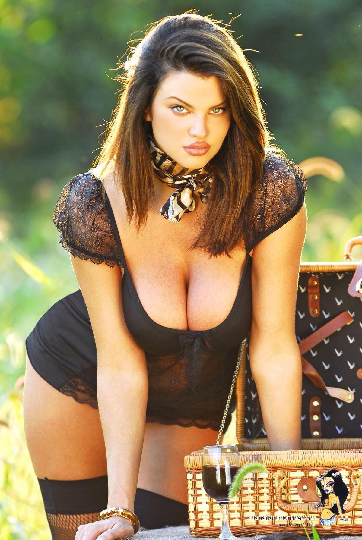 Dana hamm nude pics