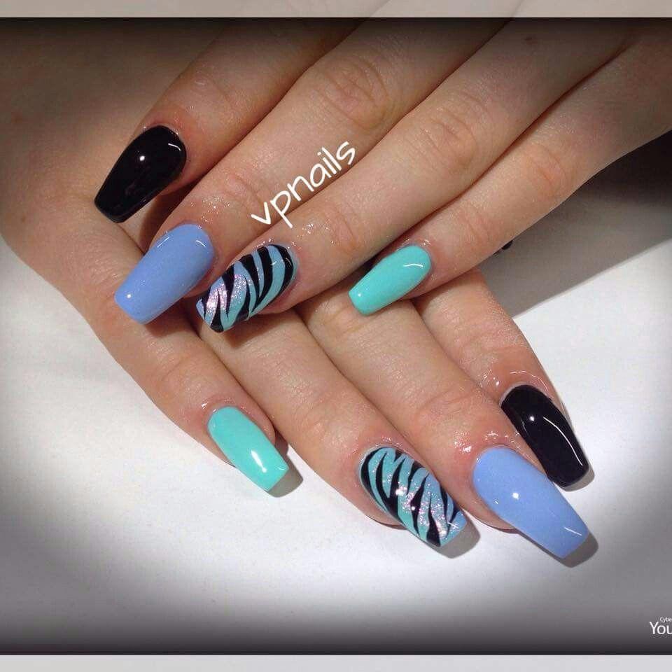 nail art zebrato