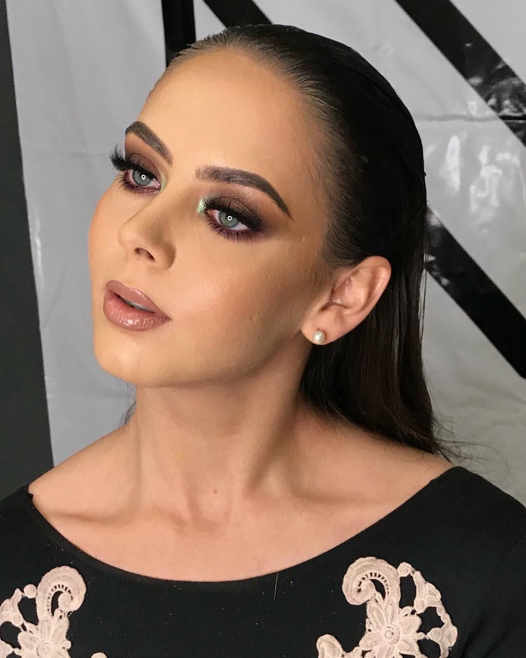 """Iván Fernández on Instagram: """"Uno de los looks que hice ayer en mi workshop en León Guanajuato! Gracias a los colegas que estuvieron ahí ❤️ gracias @mariana9023 porque…""""  – Maquillaje"""