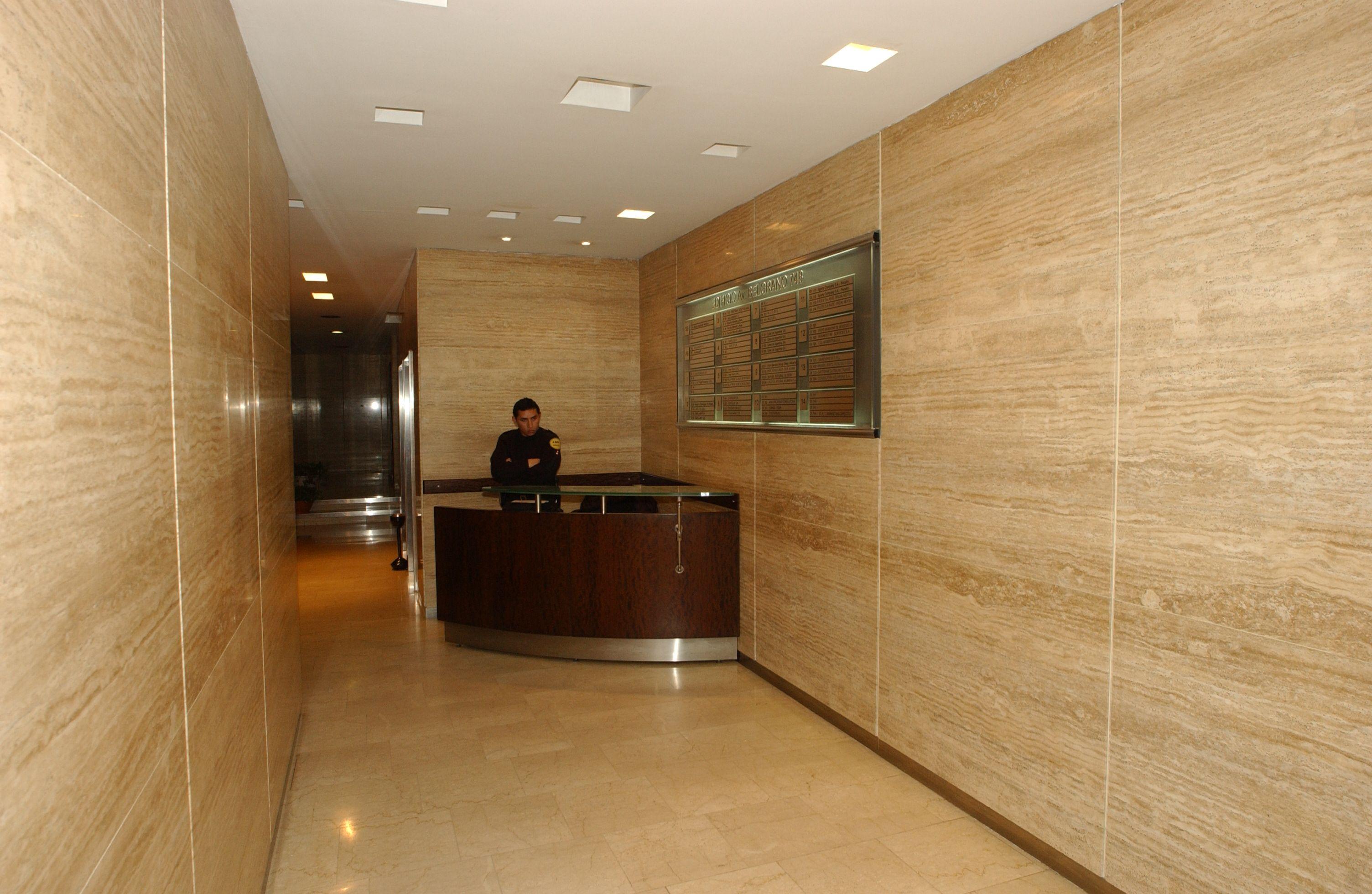 Hall edificio oficinas buscar con google hall - Decoracion hall de entrada edificios ...