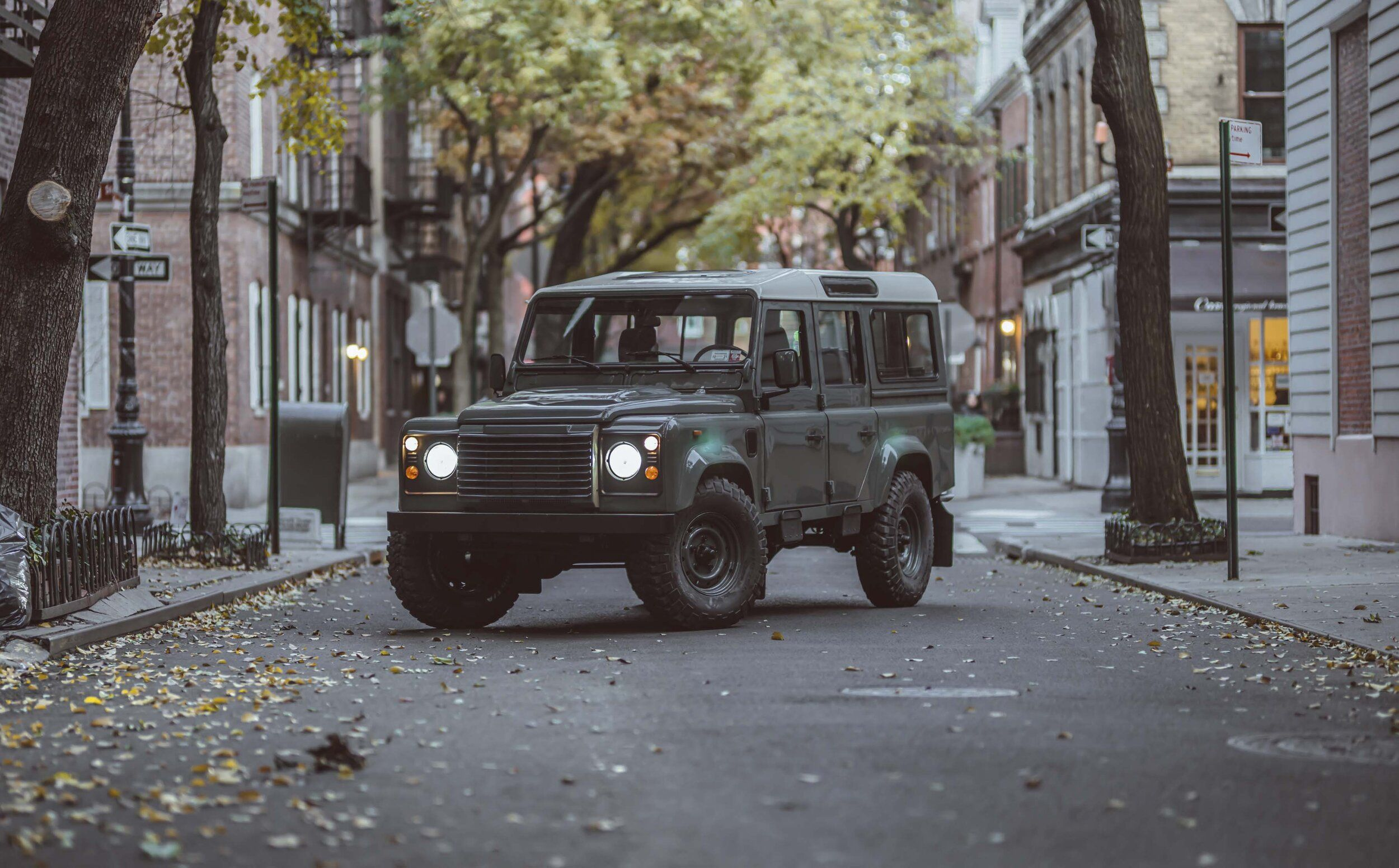 Brooklyn Coachworks Defender 110 Keswick Green Brooklyn Coachworks Defender 110 Land Rover Defender 110 Defender