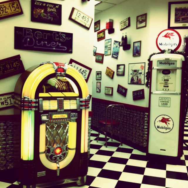 1950 S Diner In La Plata Md 1950s Diner Diner Retro Cafe