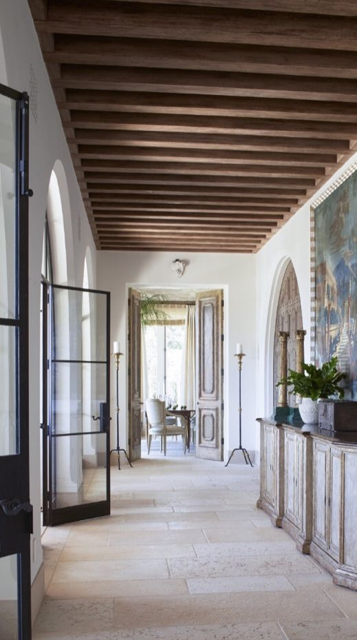 20 Modern Colonial Interior Decorating Ideas Inspired By Beautiful Colonial Homes: Splendid Sass: RICHARD HALLBERG ~ DESIGN IN MONTECITO In 2020